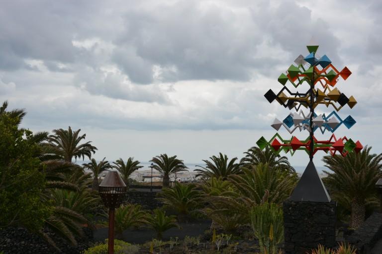 Eines der vielen Windspiele auf der Insel, alle vom Künstler César Manrique
