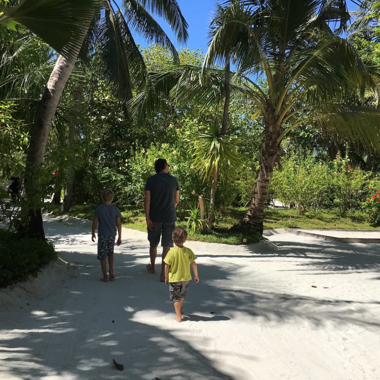 Im Inselinneren der Malediven Insel Anantara Dhigu