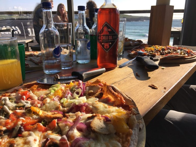 Pizza im Stables am Fistral Beach, Cornwall