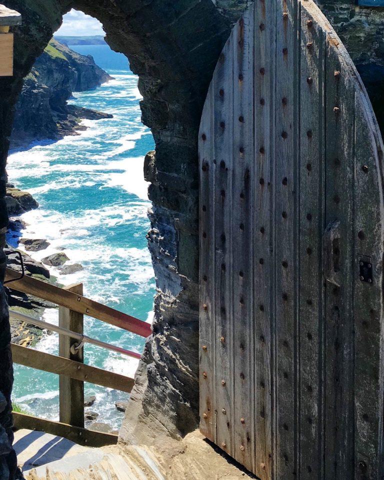Tor zu den Ruinen von Tintagel