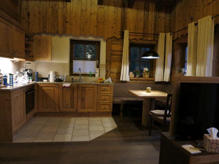 Küche und Essbereich, Luxuslodge, Chaletresort La Posch