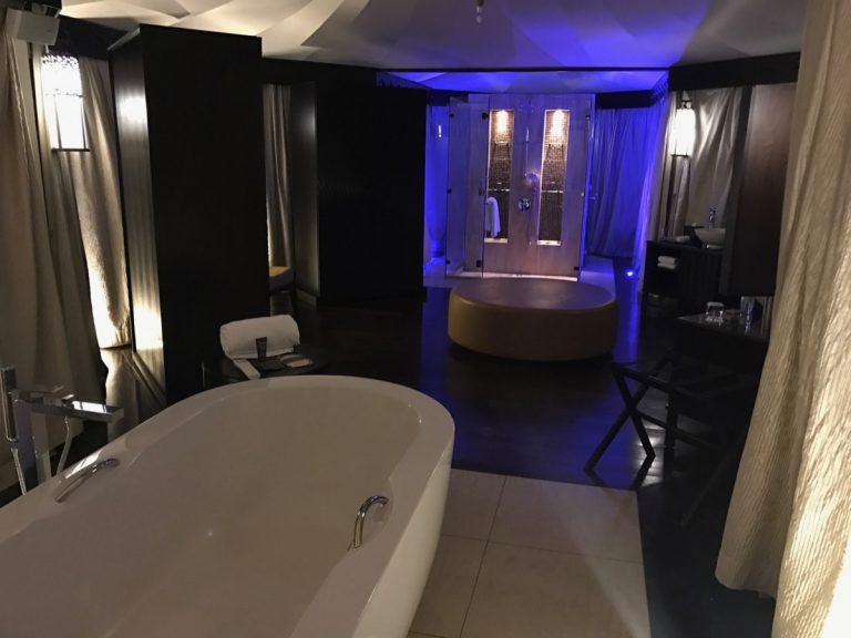 Ritz Carlton Al Wadi Desert Bathroom