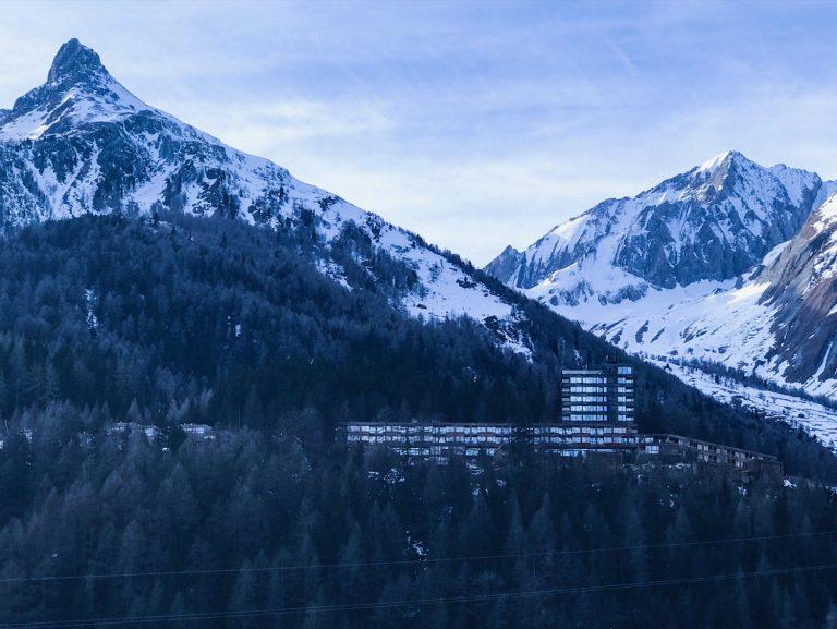 Gradonna Mountain Resort - Blick auf das Hotel bei der Anreise