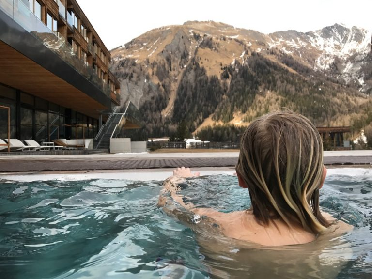 Außenpool Gradonna Mountain Resort