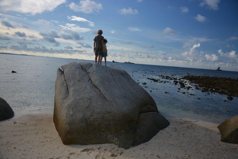 Die Jungs auf dem Felsen, Nikoi Island