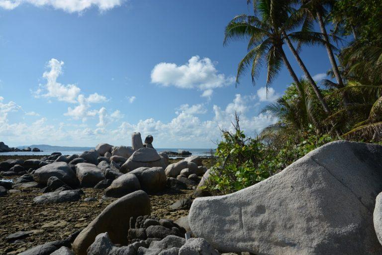 Felsen Nikoi Island