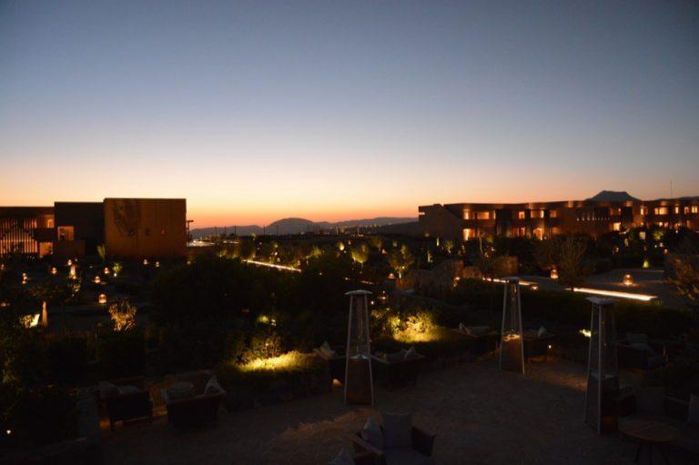 Anantara Al Jabal Al Akhdar bei Nacht